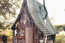 Cabane / Le bois, la toile, des arbres ou pas ! sophistiquée ou bricolée, la cabane pour rêver... Pour se donner des idée avant de lancer notre projet Canopus - l'écocamp du cahmp des toiles