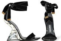 Shoes That Walk Me / by Viviane Valerius Fashion Designer