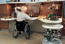 Kuchnia dla niepełnosprawnych? Tak to możliwe :D / Mogło by się wydawać że niepełnosprawni nie mogą lub nie poradą sobie w kuchni a jednak w dzisiejszych czasach jest to możliwe dzięki przystosowanej kuchni i oprzyrządowaniu ,osoba niepełnosprawna może się spełniać w kuchni i gotować pyszne dania :)