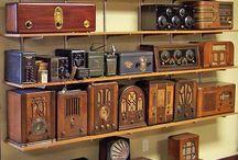 Vintage # Radios # antiguas # / Soy una gran aficionada a escuchar la radio. Las antiguas me encantan. / by Esther Sanchez Miyar