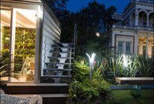 Illuminazione Giardino Led / Illuminazione Giardino Led propone prodotti dal design italiano per l'illuminazione dei giardini a luce led e supporto di alimentazione solare. Lampade da Esterno, Lampioncini, Lampioni Solari da Esterno e Applique Led con forme minimaliste che si sposano con eleganza in ogni giardino