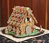Gingerbread Houses / The perfect gingerbread house