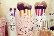 Makeup Brushes and Containers / Makeup Brushes plus inspiration on ways to keep them