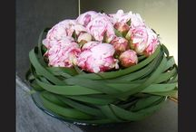 Mooi bloemstuk van pioenrozen!