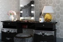 Classic Hollywood Mirrors / Our range of Hollywood mirrors, inspired by the golden age of hollywood glamour, with classic styling and modern technology.