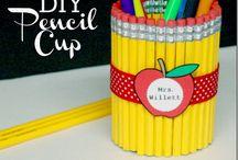 Teacher Gifts / Teacher gift ideas | Teacher Appreciation Week | Back to School teacher gifts | End of the year teacher gifts | Holiday teacher gift ideas | teacher gift printables
