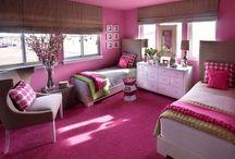 Child/Teenage Bedroom / by Paige Walner