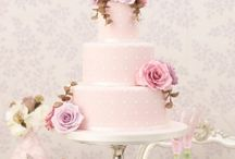 Sweet Tooth / A collection of desserts that have our mouths watering. Wedding cakes included!