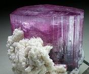 mineraler og krystaller
