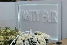 Le fauteuil Acapulco à l'honneur dans une soirée à Canne / la soirée #Vanityfair avec le mobilier BOQA et notamment son fauteuil Acapulco