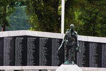 In Memorium / Memorials at the Arkansas State Capitol