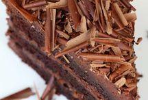 Cakes / by Ana Belen De Matos