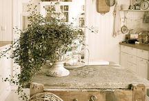 Kitchen / by Kelly Quarles