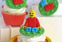 Lego/minecraft cake