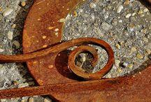 Foto-óxido / Objetos oxidados,en los que el paso del tiempo,ha dejado  su huella.