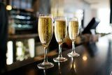 We love Champagne! / Here you will learn about the basics of everyone's favorite bubbly beverage! Whether you're new to the champagne world, or already an expert, you're sure to pick up a few helpful tips. Let's bubble!