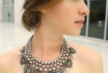 necklace wearing style