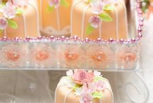 Beautiful Little Cakes / by Beautiful Cake Pictures