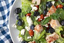 Salad Recipes / Sometimes you just need a big bowl of veggies!
