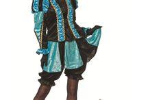 Zwarte Pieten pakken / Sinterklaas en zwarte Pieten pakken