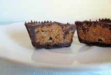 Desserts & Sweets / by Sarai Stine
