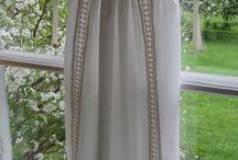 Lyst dopklänningar Linlyst / Lyst design av dopkläder med inspiration i  äldre dopplagg,  linet, dess lyster, folklivsförankring och användning i linneförrådet, som lakan, dukar och underplagg.