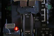 New tech - Control panel / Panneau de supervision - Écran - Poste de commande - Quartier général - Centralisation de l'information - Bureau - Poste de pilotage - Unité de Pilotage - Section de conduite / by Vector Maxip