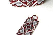 Beaded bracelets loom