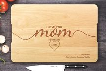 Mother's Day Gift / say to your mom how much you love her with this unique handmade cutting board