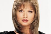 Revlon synthetic fibre wigs / A selection of synthetic fibre Revlon Collection