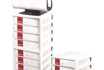 Accessoires Unibind / Comment ranger mes brochures dans un classeur ou dans un dossier suspendu ? Comment ranger mes boites de couvertures pour reliure Unibind ? Retrouvez ici tous nos accessoires pour ranger et classer vos couvertures Unibind et documents reliés.