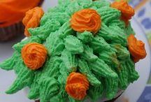 Cupcake Decorating Ideas / Creative, Easy Cupcake Decorating Ideas