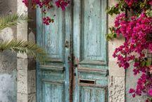 Окна и двери / Окна и двери могут передать характер человека, места, культуры и страны лучше чем что бы то ни было.