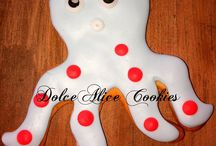 DolceAlice's Cookies and Cupcakes / A board with my cupcakes and cookies :)  www.facebook.com/dolcealicecakes