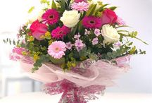 Anniversary Gifts / Find the perfect anniversary gift at http://www.raysflorist.co.uk/