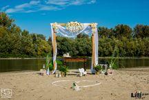 """""""Beach Wedding"""" Csongrádon / A tengerparti esküvőhöz nem kell messzire utazni! A csongrádi Körös-torok homokján valódi tengerparti hangulatban mondhatjátok ki a boldogító """"igen""""- t! Elegáns? Színes? Natúr? - választhattok...."""