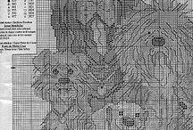 simel erol / es geht hier um 8 Hunde: 4 grosse und 4 kleine kreuzstichbild