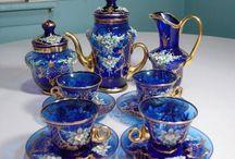 porcelán, sklo a modrá