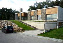 Casa . Pedra e madeira