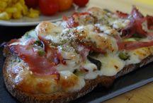 Bruschetta jambon, courgettes, mozzarella