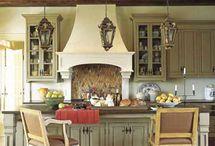 Kitchens / by Debra Hennessy-Naszimento