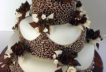 Beautiful Cakes, Cup Cakes, & Cookies / by Patti Streets-Baisden