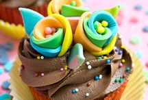 Cupcake Extravaganza / These are the cupcakes dreams are made of. / by CandyDirect