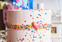 < Kiddies Cakes > / All kind of cakes for kids