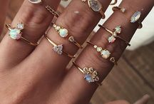 Rings/necklaces