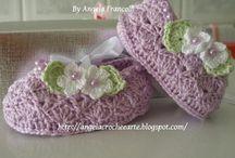 zapatitos a crochet / by Raquel Pizarro