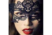 Máscaras. / Máscaras para añadir misterio a tus disfraces de halloween, carnaval, fiestas de disfraces o complemento de ropa interior sexy.