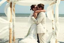 Beach Wedding Inspiration / Beyond sand and seashells lies a million grains of inspiration. Here's what came in on our wave.