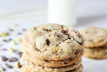 Coffee & Tea dips / Cookies, France bread, Muffins