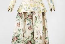 Blomster / Flowers / Blomster på kjoler, blomster på duker mm
